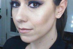 Maquillaje de noche, smokey en tonos azules.