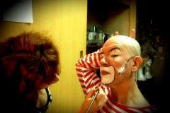 Maquillando al genio de Zabala! Payaso Augusto. Teatro Nacional Cervantes