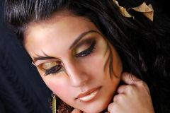 Maquillaje temático en tonos dorados y marrones